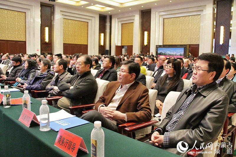 内蒙古首届食品安全年会举行 食品企业签责任书