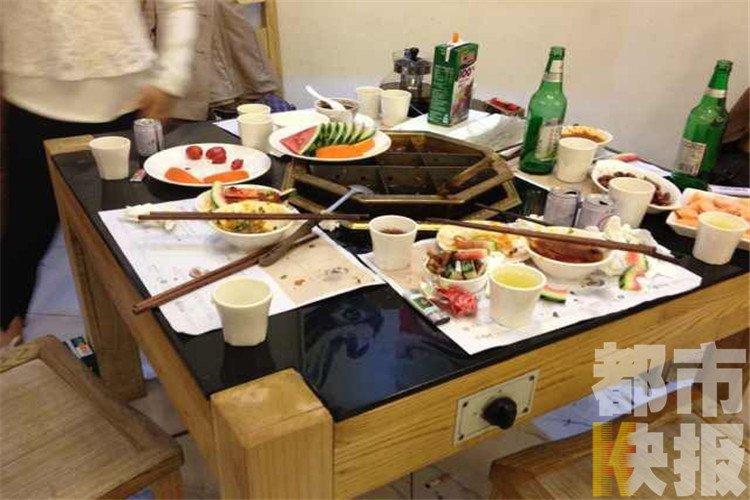 火锅突然爆炸服务员被烫伤 餐厅 打火机掉进汤锅图片 82615 750x500